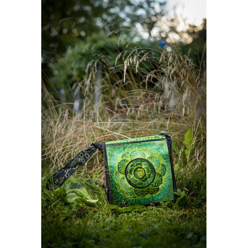 moskitoo-india-kult-hippie-bag-om-lotus-green
