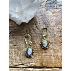moonstone-brass-earrings-moskitoo-india-kult