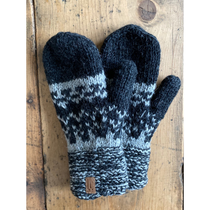 woolengloves-glove-knitted-wool-natural-colors-grey-black-moskitoo-india-kult-rorschach