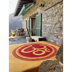 Aum-om-symbol-orange-red-cloth-bedspread-wall-hanging-moskitoo-india-kult-rorschach-indian-shop
